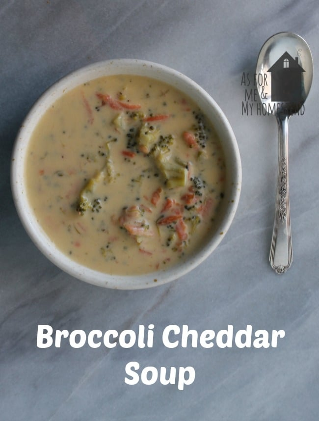 Delicious and creamy broccoli cheddar soup made with no processed cheese. Just tasty, real ingredients.