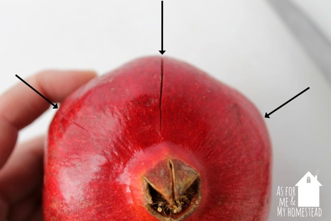 how-to-cut-open-a-pomegranate-2